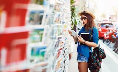Cara Mengirim Kartu Pos dari Luar Negeri