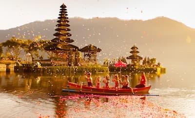 Film Travel yang Bikin Anda Ingin Menjelajahi Indonesia