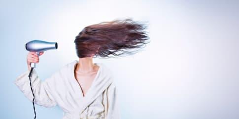 3 Tip Memilih Warna dan Model Rambut Anti Gagal