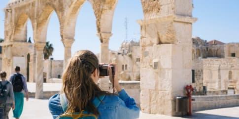 3 Tips Saat Ikut 'Open Trip' untuk Milenial