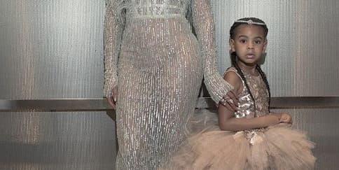 Putri Beyonce Mengenakan Rancangan Desainer Indonesia