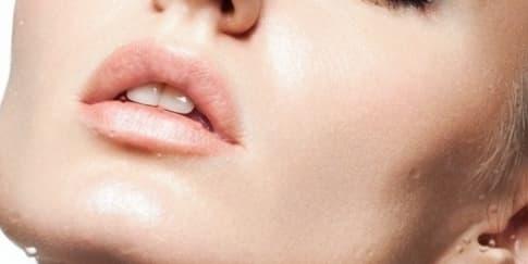 5 Rekomendasi Produk untuk Gaya Makeup Berwarna Biru