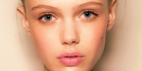 Cara Hilangkan Tanda Penuaan Area Mata