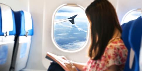 Cara Menghindari Rasa Pegal di Pesawat