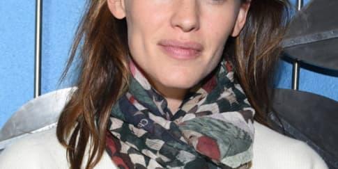 Jennifer Garner Tampil Tanpa Makeup di Festival Film