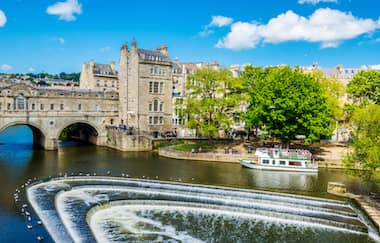 Mengunjungi Kota Bath di Inggris