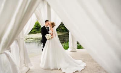 Tips Mengadakan Pernikahan Pada Hari Kerja