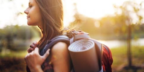 8 Barang yang Harus Dibawa Saat Solo Traveling