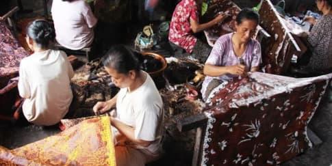 5 Cara Buat Merayakan 'Hari Batik Nasional'