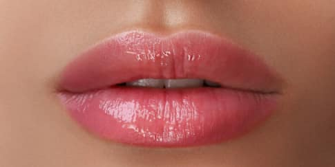 5 Cara Memerahkan Bibir Secara Alami