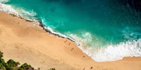 5 Pantai untuk Liburan Romantis Bareng Pasangan