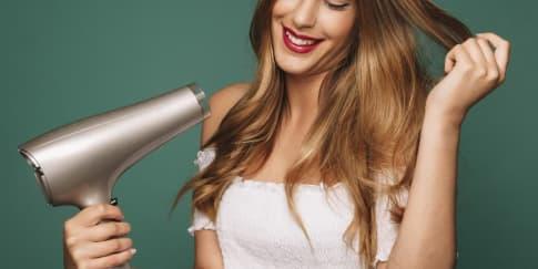 5 Rekomendasi 'Hair Dryer' yang Bagus Buat Rambut