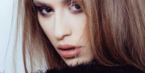 5 Tips Makeup Untuk Pemilik Kulit Kombinasi