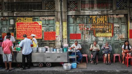5 Makanan di Pinggir Jalan Terenak di Bangkok