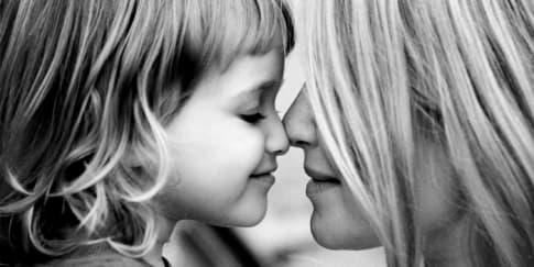 Cara Ungkapkan Cinta Pada Ibu