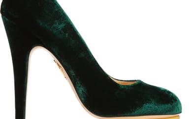 6 Sepatu Berbahan Velvet yang Wajib Dibeli Sekarang
