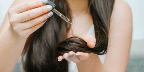 6 Manfaat 'Hair Oil' Agar Rambut Tetap Sehat Berkilau