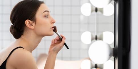 6 Tips Gunakan Highlighter Untuk Wajah Lebih Glowing