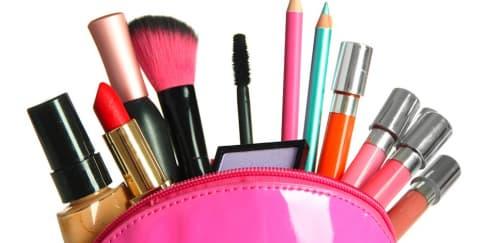 Trik Memperbaiki Make-up Rusak