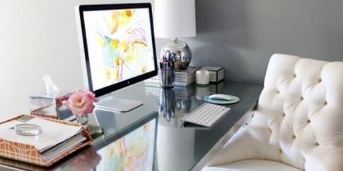 Ciptakan Meja Kantor Ideal Dalam 5 Menit