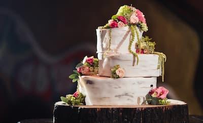 Hal yang Perlu Diketahui Sebelum Membeli Kue Pengantin