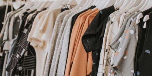 7 Warna Pakaian Yang Cocok Untuk Kulit Sawo Matang