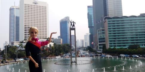 Barbie dan Ken Jadi Model di Peragaan Busana Qantas