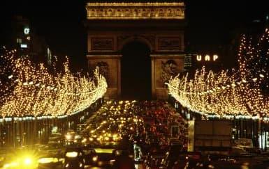 Menikmati Keindahan Champs Elysées