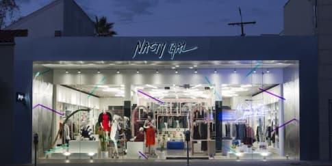 Situs Nastygal.com Buka Butik Pertamanya