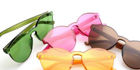 Nuansa 70an Koleksi Kacamata Linda Farrow