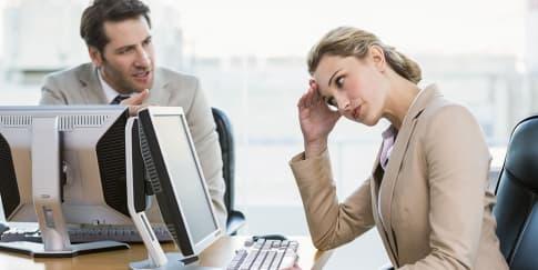 Tips Mengatasi Rekan Kerja yang Menyebalkan