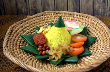 Resep Nasi Kuning Mudah dan Praktis