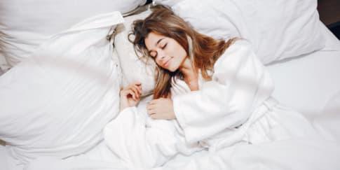8 Cara Efektif Mengatasi Sulit Tidur Tanpa Obat