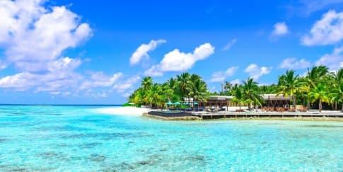 8 Destinasi Pantai Untuk Tempat Wisata Akhir Pekan