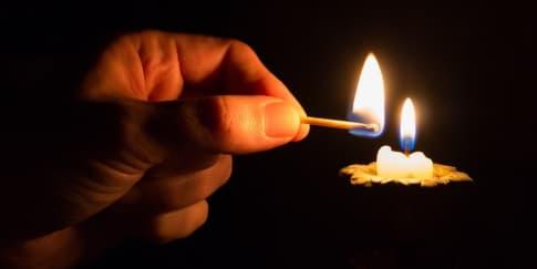 8 Hal Menarik Yang Bisa Dilakukan Saat Mati Lampu