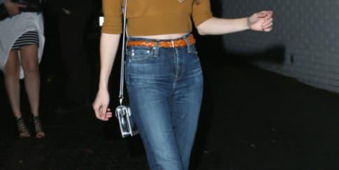 Gaya Musim Semi Emma Roberts