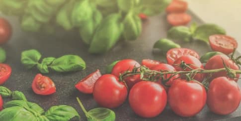 9 Manfaat Masker Tomat untuk Kulit Wajah