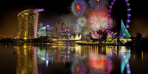 Pesta Tahun Baru Meriah di Bawah Bintang