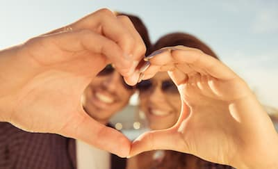 Keuntungan Utama dari Berpacaran dengan Sahabat
