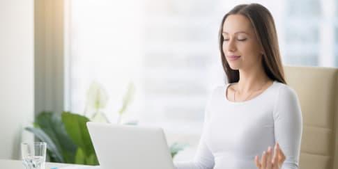 Cara Mengatasi 7 Keluhan Penyakit di Kantor