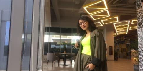 A Chat with Raegita Zoro: Cerita di Balik Warna Neon