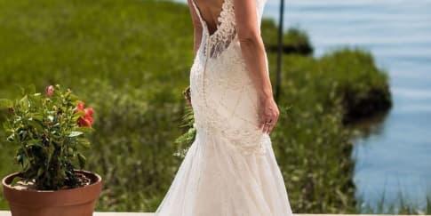 Akan Mengenakan Gaun Pengantin Backless? Baca Ini Dulu!