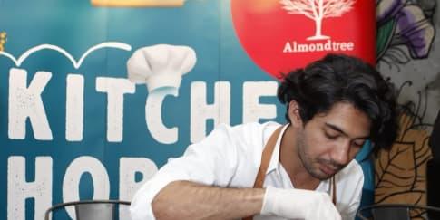 Almond Tree Adakan Kelas Memasak Bersama Reza Rahadian