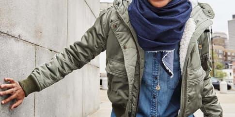 American Eagle Outfitters Hadirkan Hijab Denim