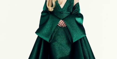 Spotted : Anya Taylor-Joy mengenakan Dior di Golden Globe'21