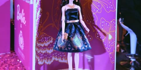 'Barbie Batik Kirana', Kala Barbie Berbusana Batik