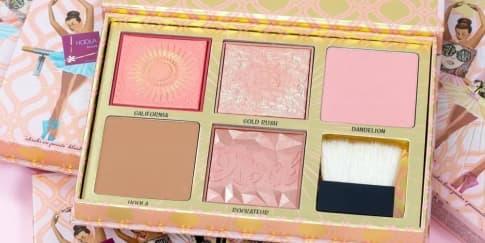 Benefit Hadirkan Palet Edisi Terbatas Blush Bar