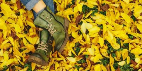 Bisa Dilakukan Di Rumah: Cara Menghilangkan Bau Pada Sepatu