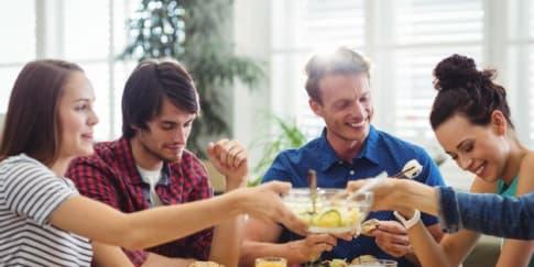 Buka Bersama Saat Ramadan Bersama Mantan, Ini Tipsnya