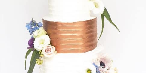 Cara Membuat Kue Pengantin Terlihat Elegan Dengan Murah